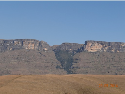 View up to Tiger Falls from Royal natal National Park on our Durban Day Safari Tour to the Drakensberg mountains 29 May 2014