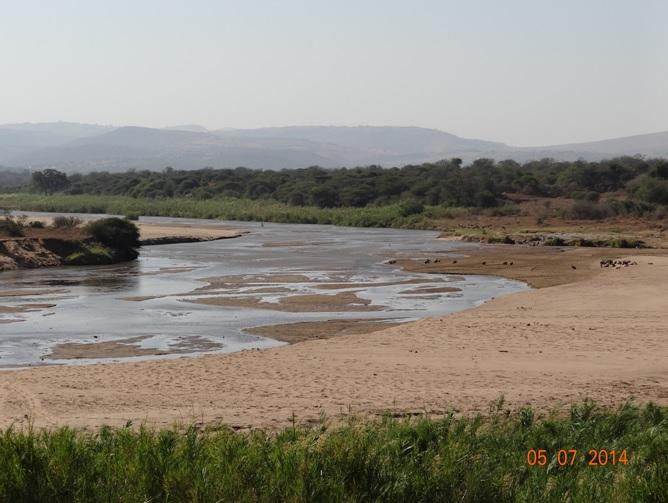 Durban Day Safari Tour to Hluhluwe Imfolozi Game reserve, Umfolozi River 5 July 2014