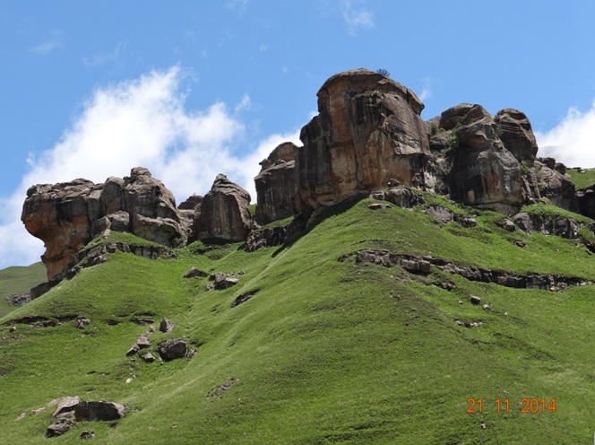 Drakensberg Rock art see on our Durban Drakensberg Day Tour