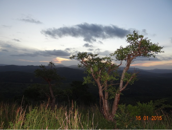 Durban 3 day safari tour; Sunset in Hluhluwe