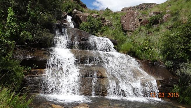 Drakensberg day tour, Sani Pass, Waterfall