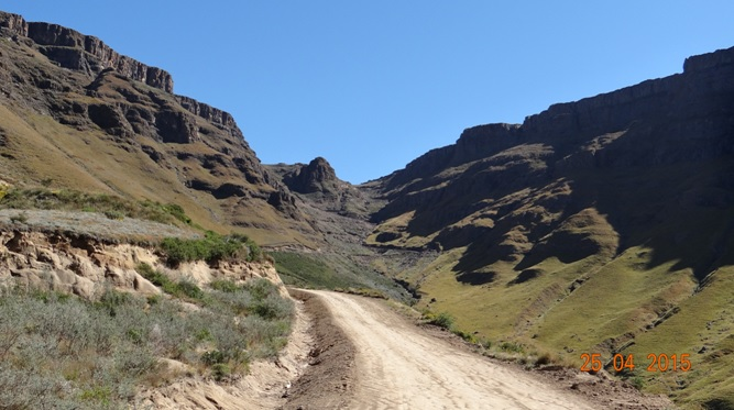 Sani pass drakensberg day tour; Picture going up Sani Pass