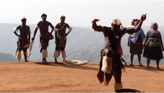 Durban day safari tour; Zulu dancing