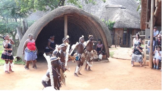 Durban tour; Zulu dancing