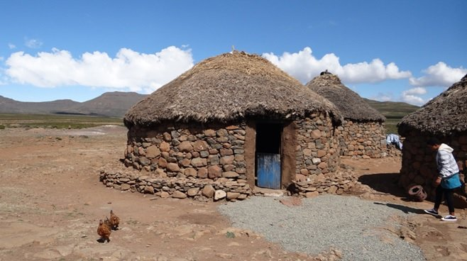 Drakensberg mountains tour, Basotho hut