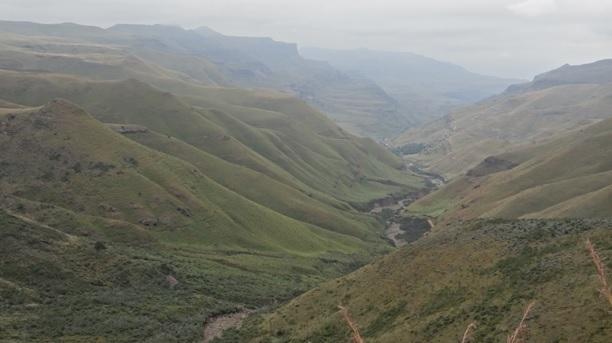 Drakensberg mountains tour, Drakensberg view